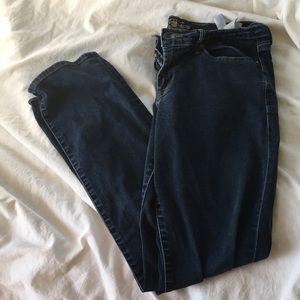 Lucky brand strait leg jeans